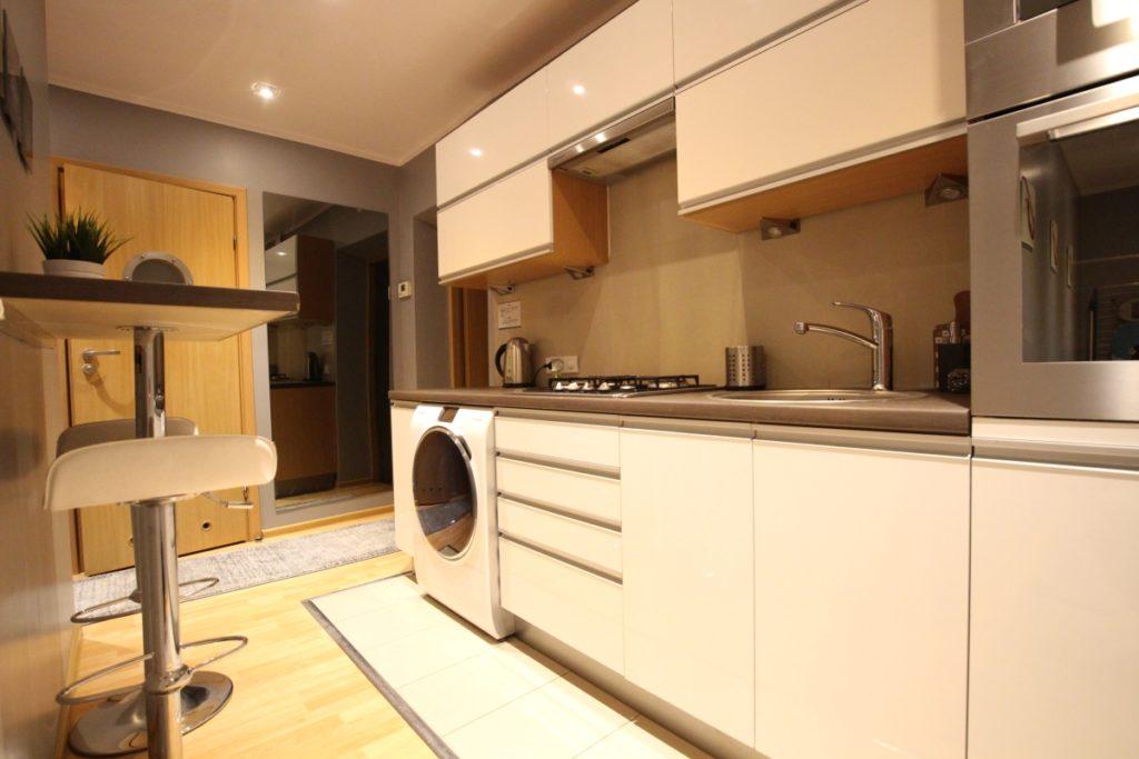 Pokój Czerwony - Rainbow Apartment - apartamenty i pokoje ...